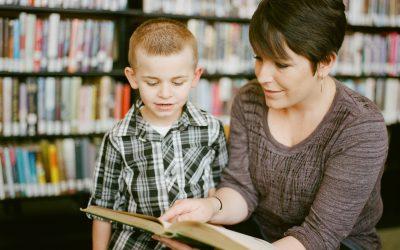 Comment travailler la lecture avec mon enfant qui commence à lire?